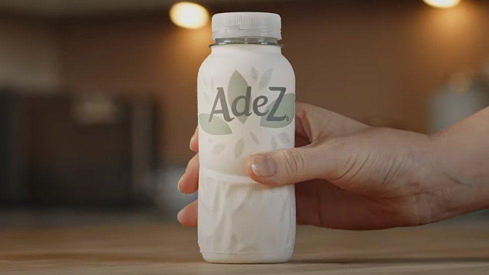 Sustainable Design: the AdeZ paper bottle prottoype